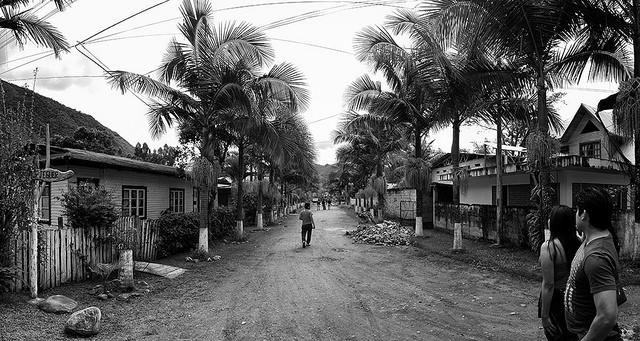 Calle singular de Oxapampa, Perú